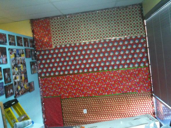 Christmas Wallpaper Decorating