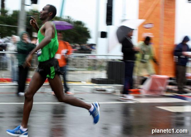 Markos Geneti Finish Line LA Marathon