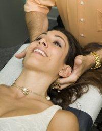 chiropractor hands on
