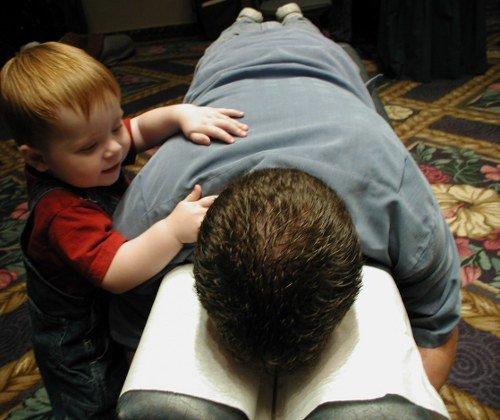 chiropractor-training-youngsters
