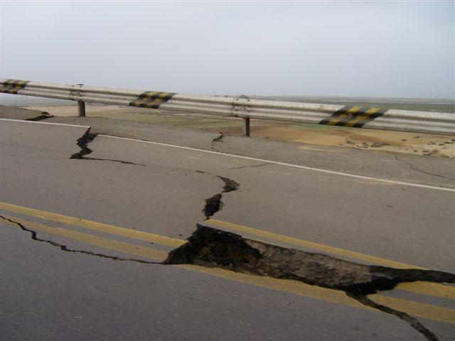 cracks Highway Peru