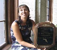 Dr. Mindy Weingarten shows us her award