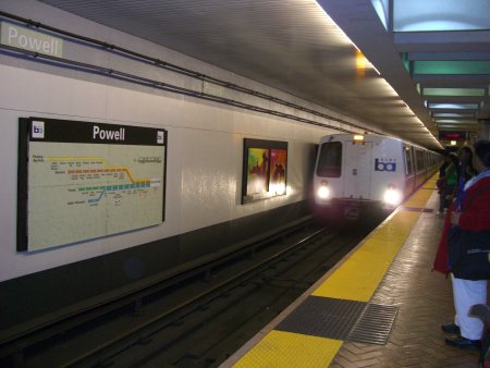 Powell station San Francisco Bart